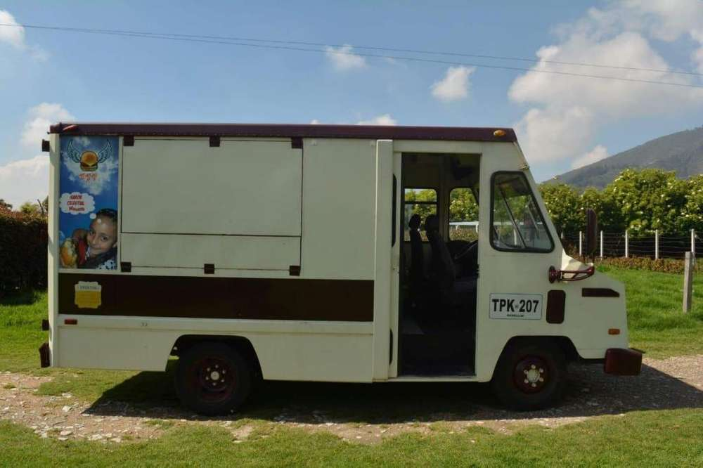 IVECO FOOD TRUCK