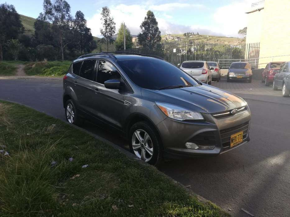Ford Escape 2013 - 71400 km