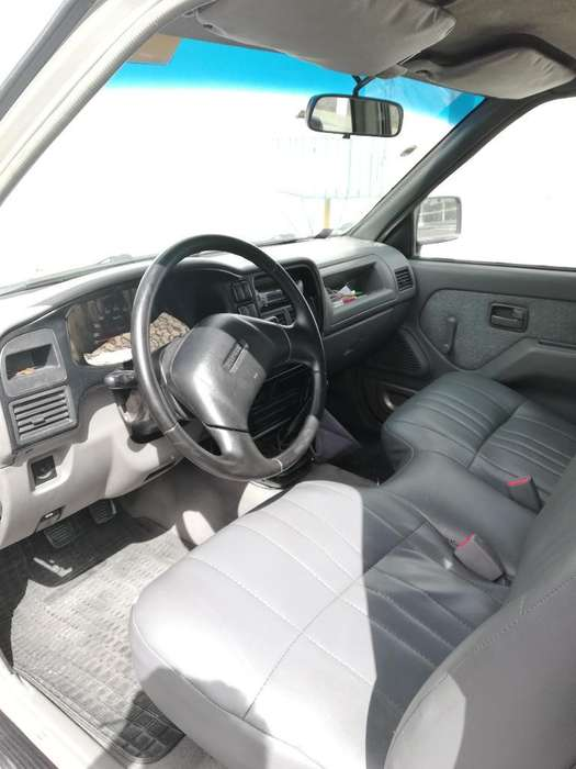 Chevrolet Luv 2003 - 200000 km