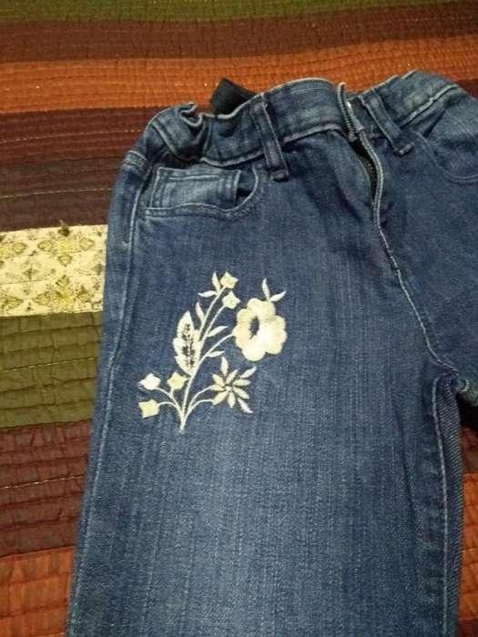 Pantalón Jean Baby Gap Talle 5 Bordado