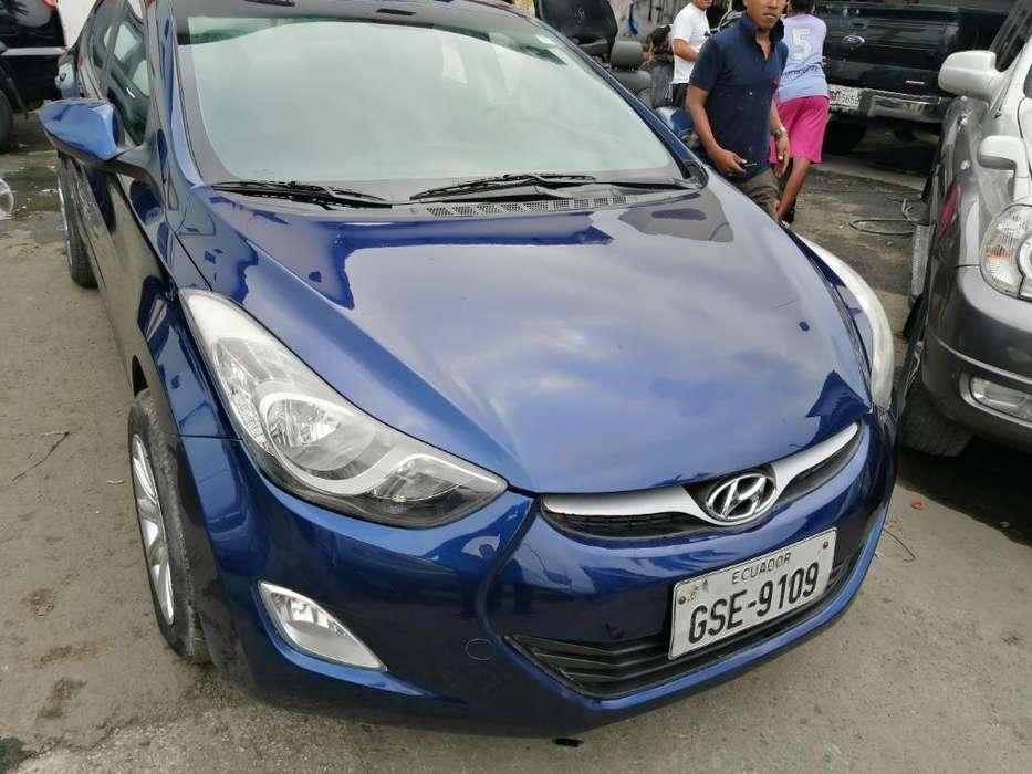 Hyundai Elantra 2012 - 220000 km