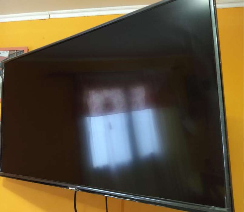 Smarttv Crown Mustang 43'