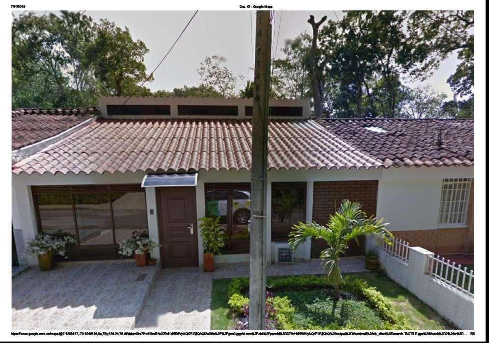 Vendo magnífica casa 200 m2 Bucaramanga. Barrio El Jardín, cerca de la UNAB