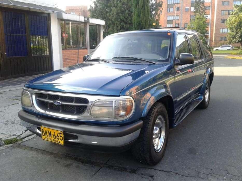 Ford Explorer 1998 - 220000 km
