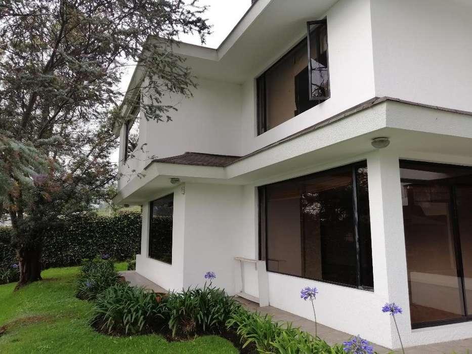 Casa en Arriendo Iñaquito Alto 650 M2