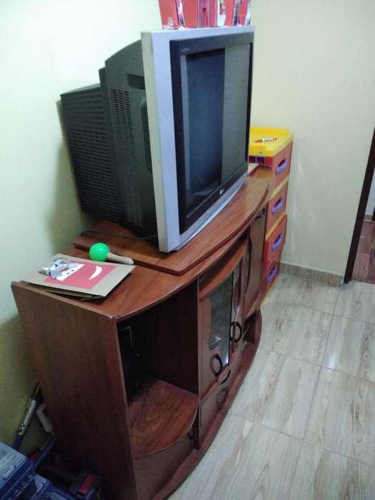 Vendo Tv Lg Y Mueble