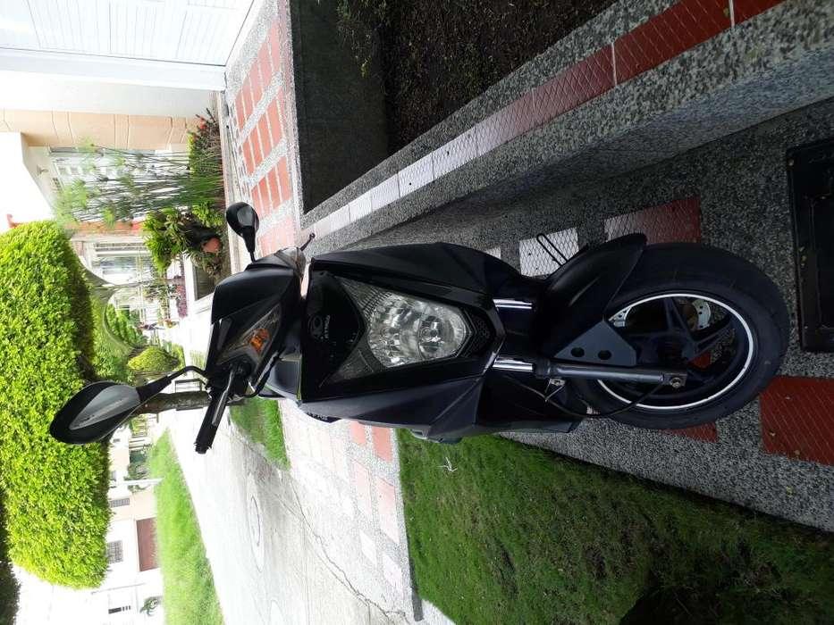 Vendo moto Agility 2011