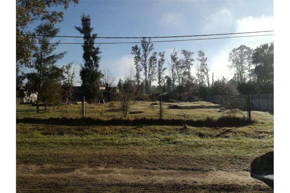 Terreno en Venta en Villa California .Ruta 1 km 4.