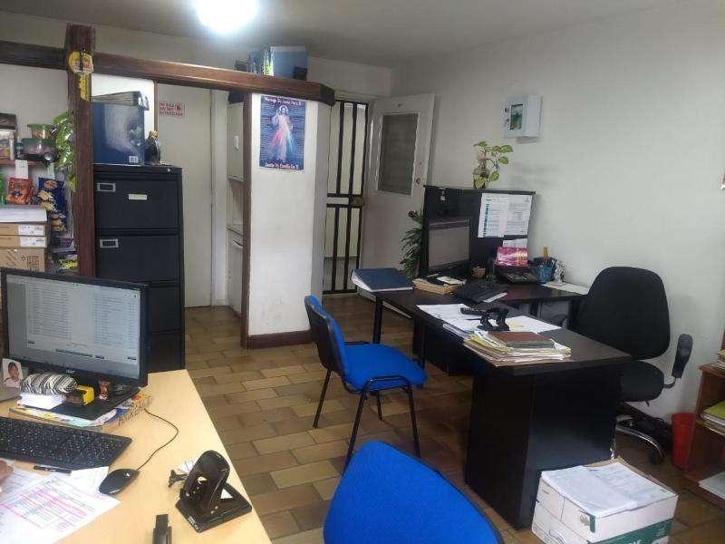 Oficina En Venta En Medellin Candelaria Cod. VBBER967