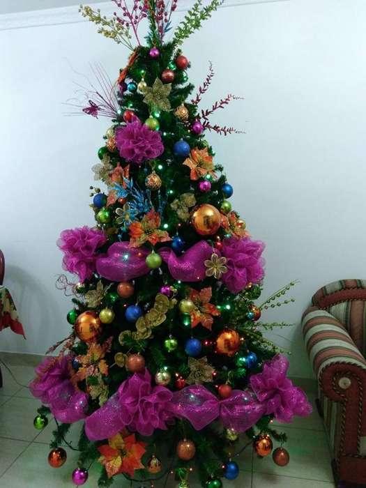 Vendo Árbol de Navidad con Decoración