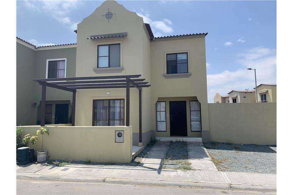 Casa de Alquiler en Urb. La Rioja, Daule, Cerca de Mixcenter, Maria Fernanda <strong>campo</strong>s