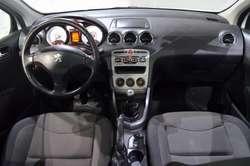 05545f69d Peugeot 308 allure 1.6 nafta 2013 5 puertas color blanco - Córdoba