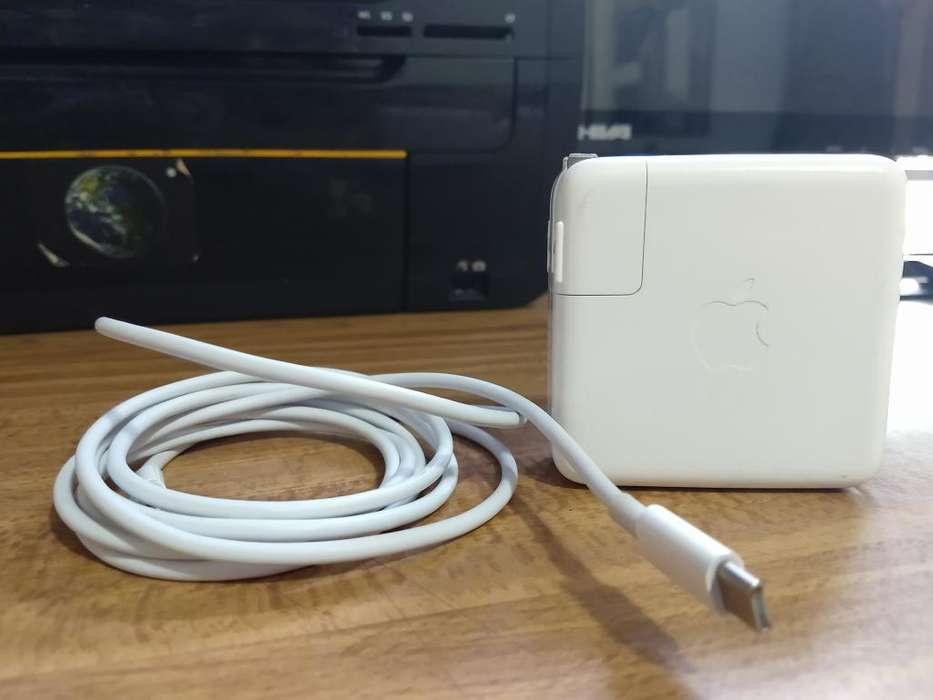 Cargador Original Apple 61w Usb-cmacbook