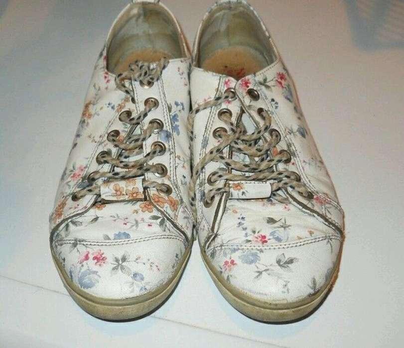 Zapatillas Mujer Cuero Floreadas 37 Marca Nossa