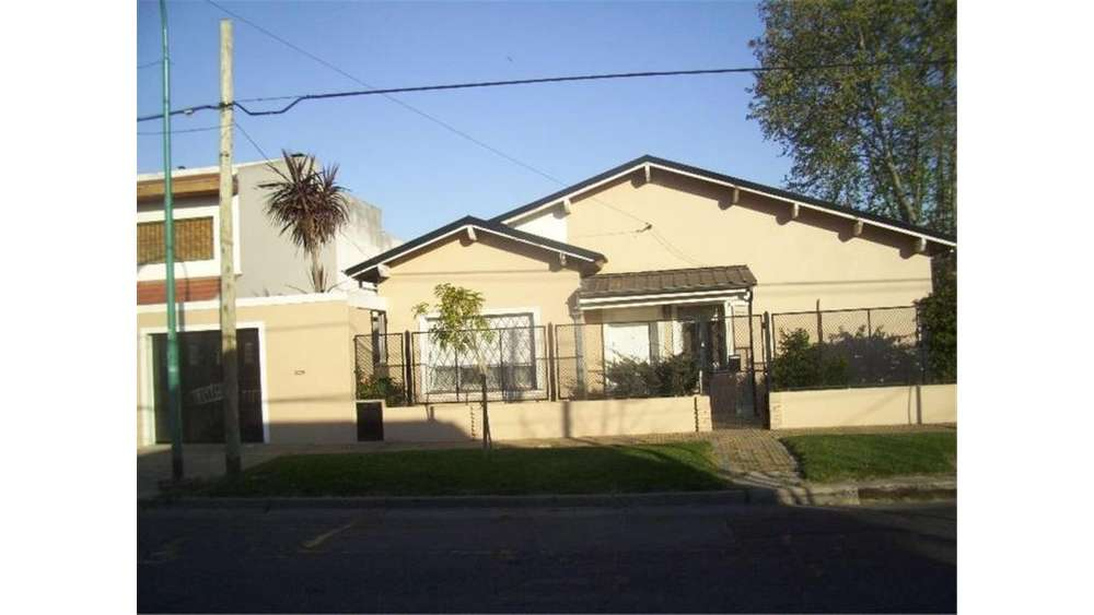 Santiago Del Estero 6548 - 22.000 - Casa Alquiler