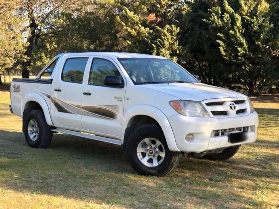 Toyota Hilux 2006 - 215000 km