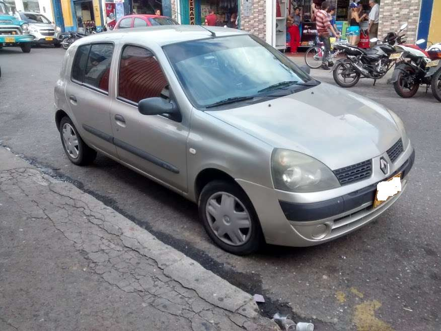 <strong>renault</strong> Clio  2008 - 150000 km