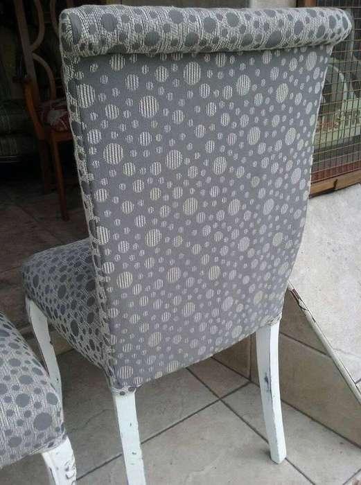 VENDO YA 4 sillas de estilo con tapizado nuevo