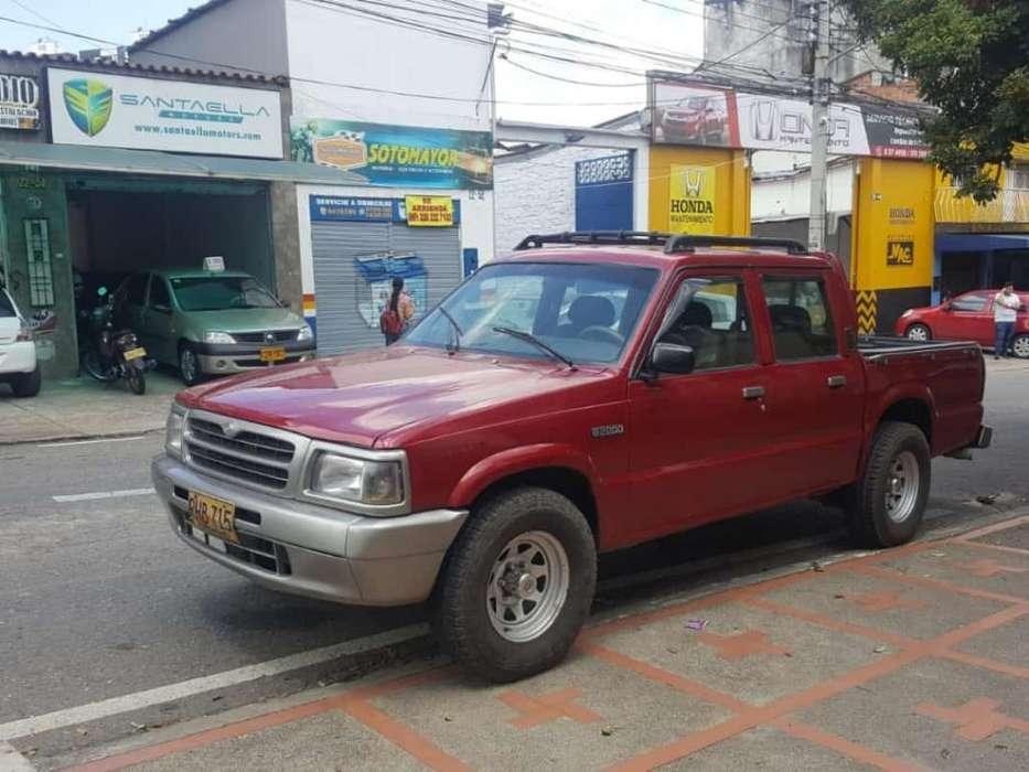 Mazda B-2200 1997 - 140000 km