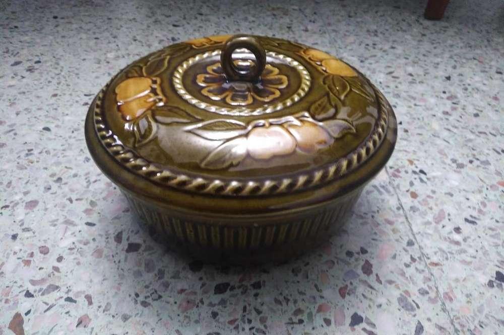 Fuentes de cerámica en muy buen estado
