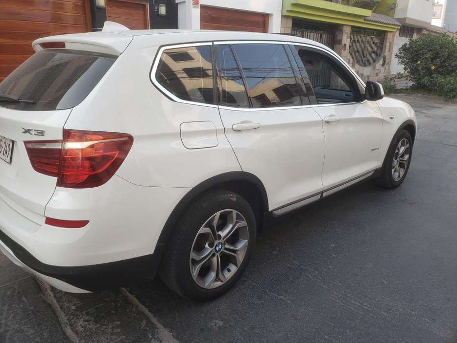 <strong>bmw</strong> X3 28i 2016 - 37000 km