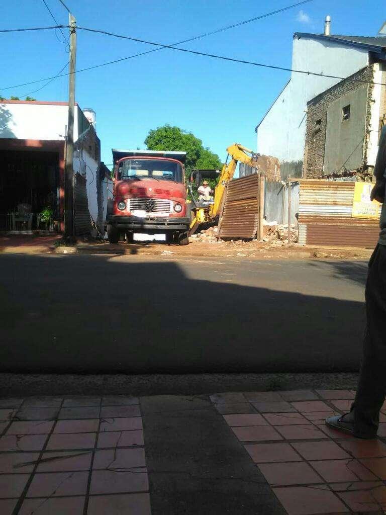 Trabajo con Retro Y Camion