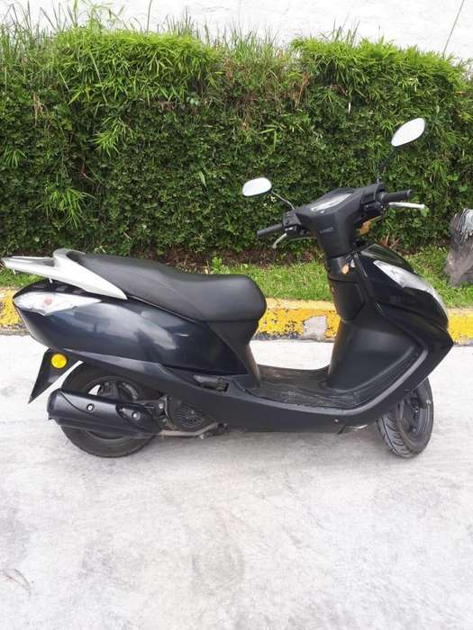 Bonita moto <strong>honda</strong> Elite 2014