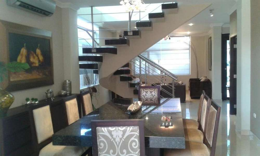 Alquiler, C. Celeste La Ria, Full Amoblado, 3 Dormitorios
