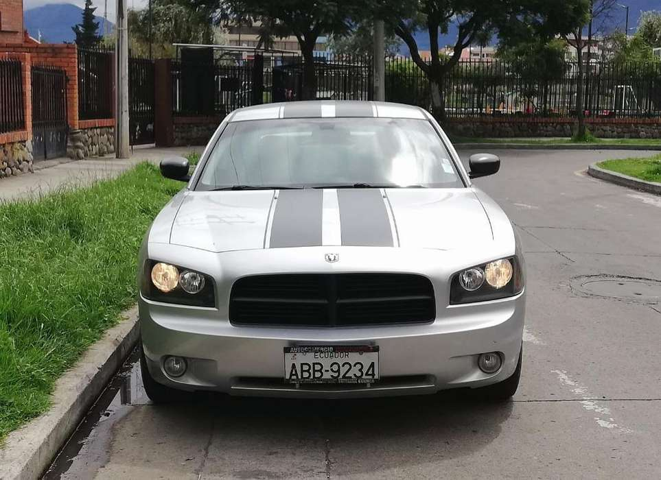 <strong>dodge</strong> Charger 2009 - 68000 km