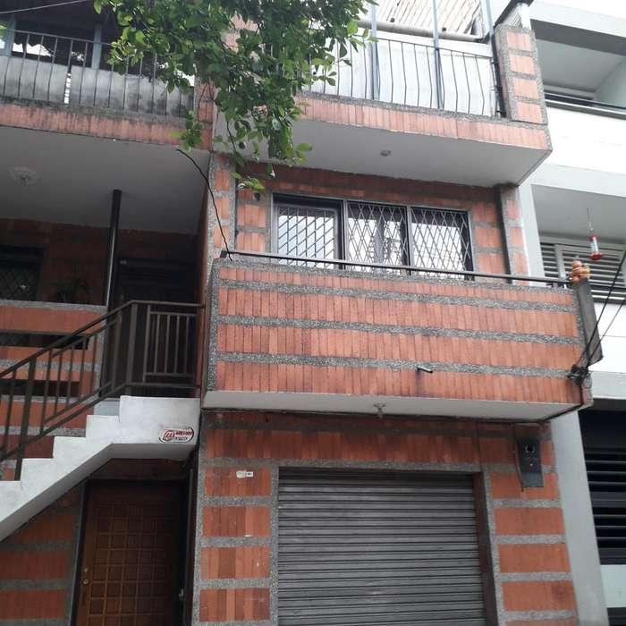 Vendo casa grande en Medellín, El Poblado, Manila