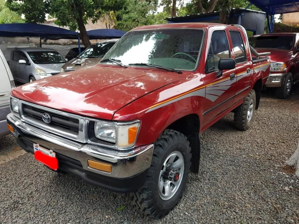 TOYOTA HILUX. 93. 4X4. DOBLE CABINA.