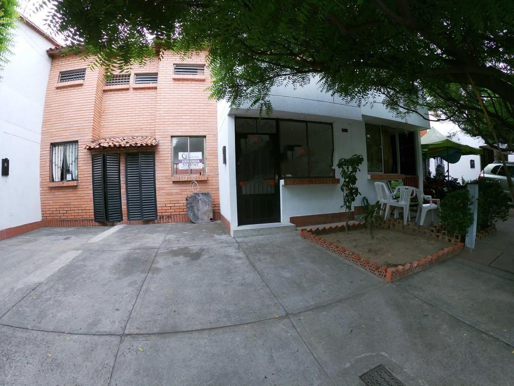 Se Arrienda Casa en Avenida Libertadores , Código:1035