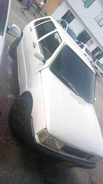 Fiat Uno  1996 - 2900 km