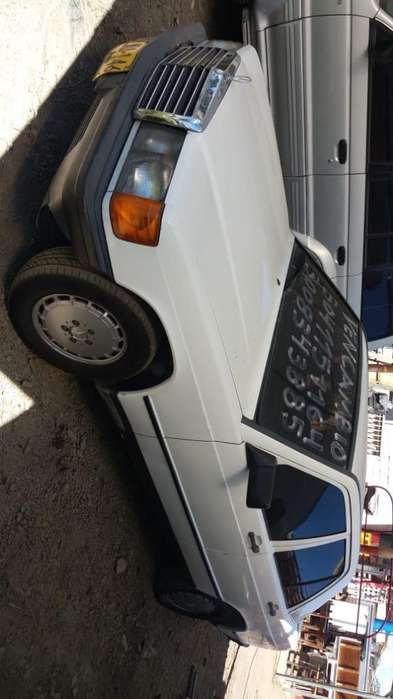 <strong>mercedes</strong>-Benz Clase E 1984 - 100000 km