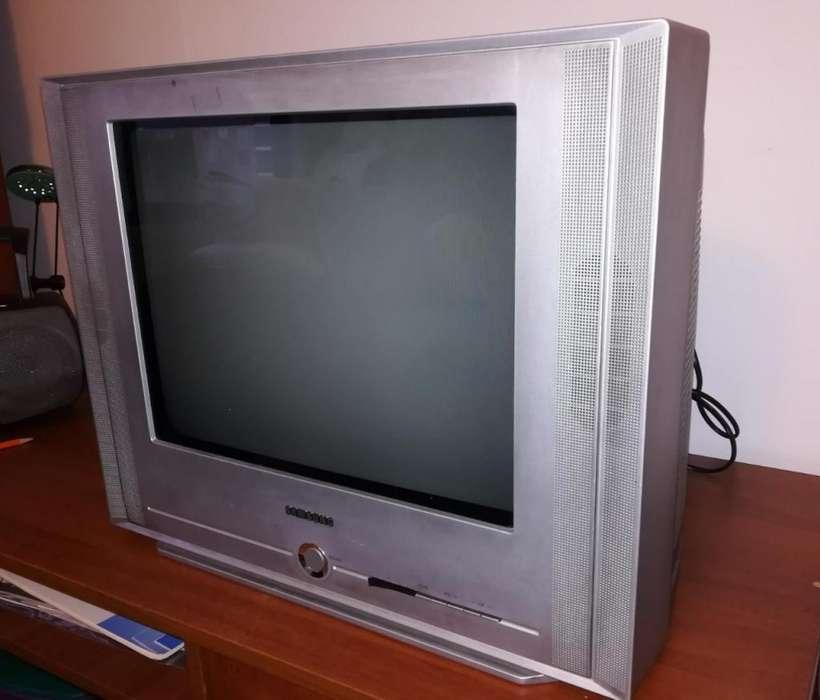 Se vende <strong>televisor</strong> Samsung!