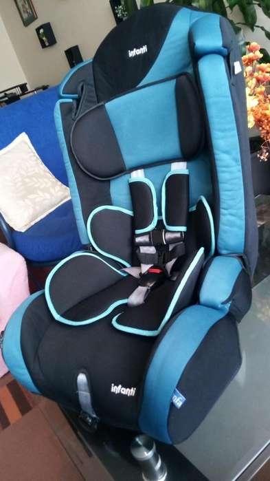 Silla de bebé para carro en perfecto estado como nueva