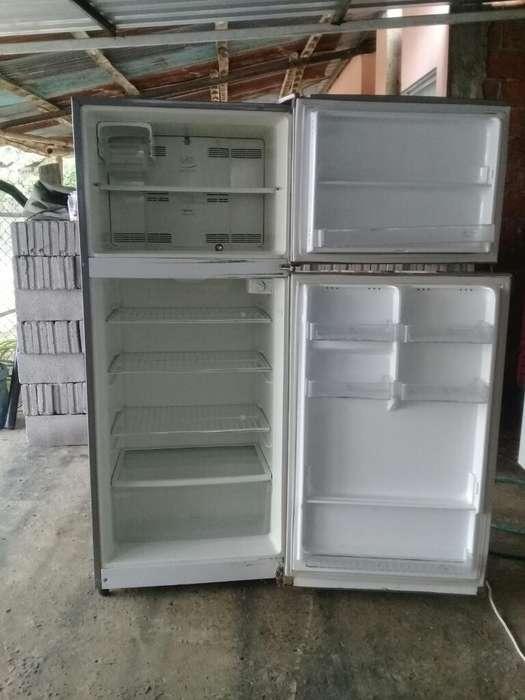 Refrigeradora Indurama