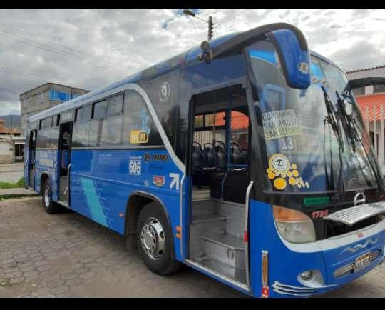 BUS HINO AK 2013 INFO 0997472472