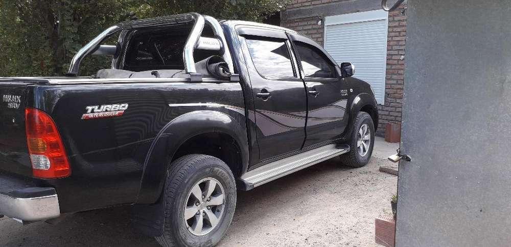 Toyota Hilux 2010 - 180 km
