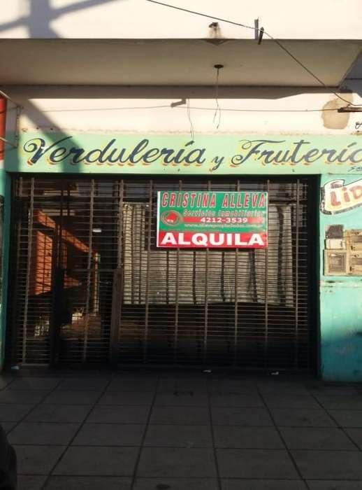 Local en Alquiler sobre Avenida San Martin Nº 2238 San Fco. Solano, entre las calles 893 y 894.