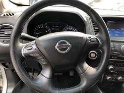 Nissan Pathfinder Exclusive 4000cc 2015