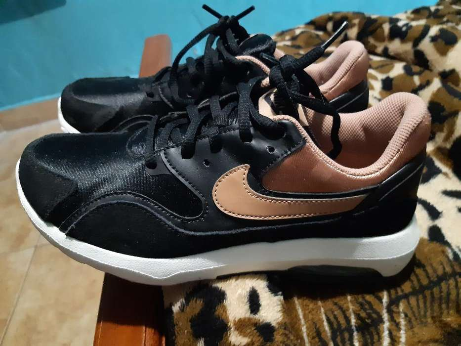 Vendo Nike <strong>mujer</strong>