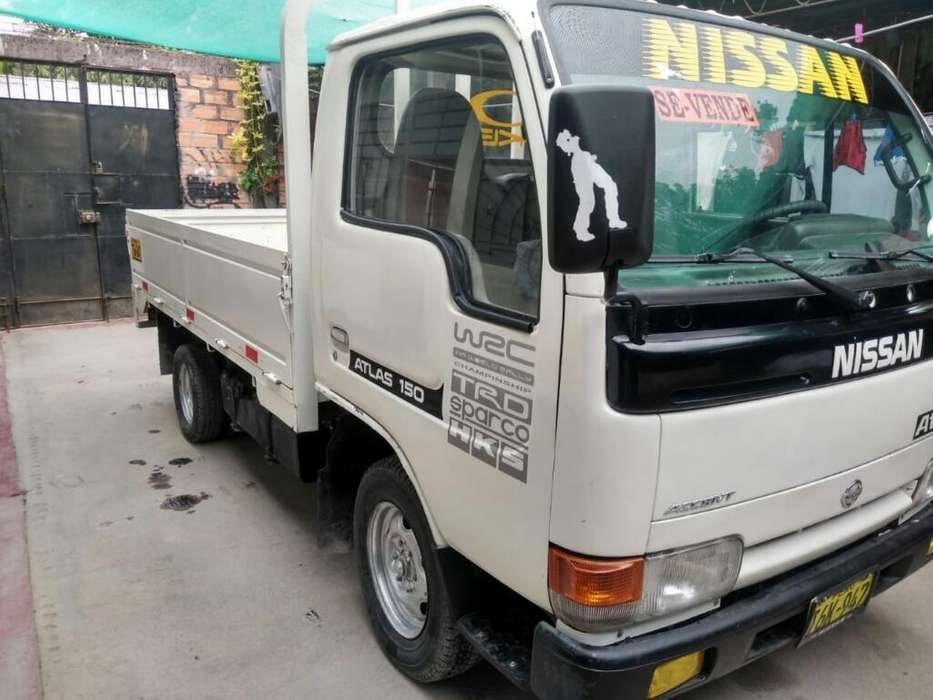 Vendo Nissan Atlas Td27