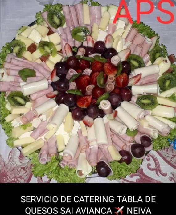 Tabla de Quesos, Jamones Y Frutas
