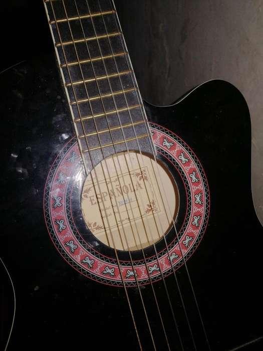 Guitarra Acustica en Buen Estado