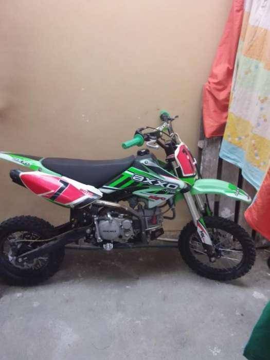 Moto Axxo Pit Bike