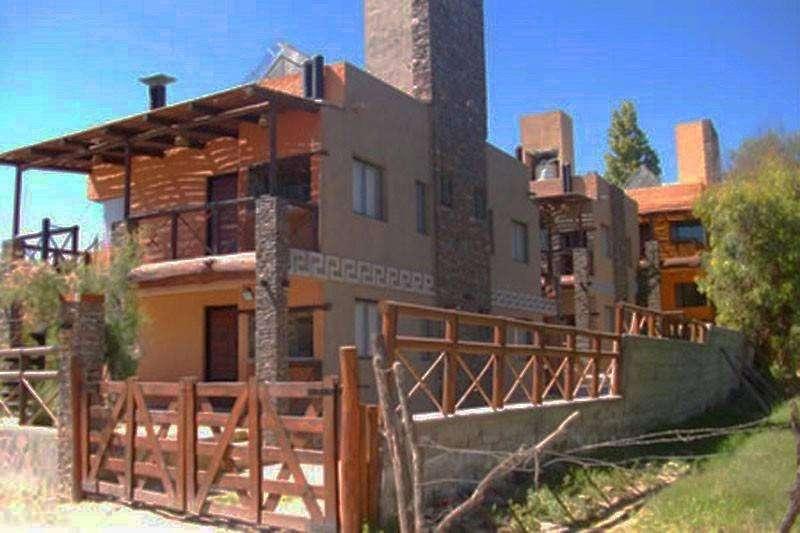 cj50 - Cabaña para 2 a 7 personas con cochera en Santa Maria