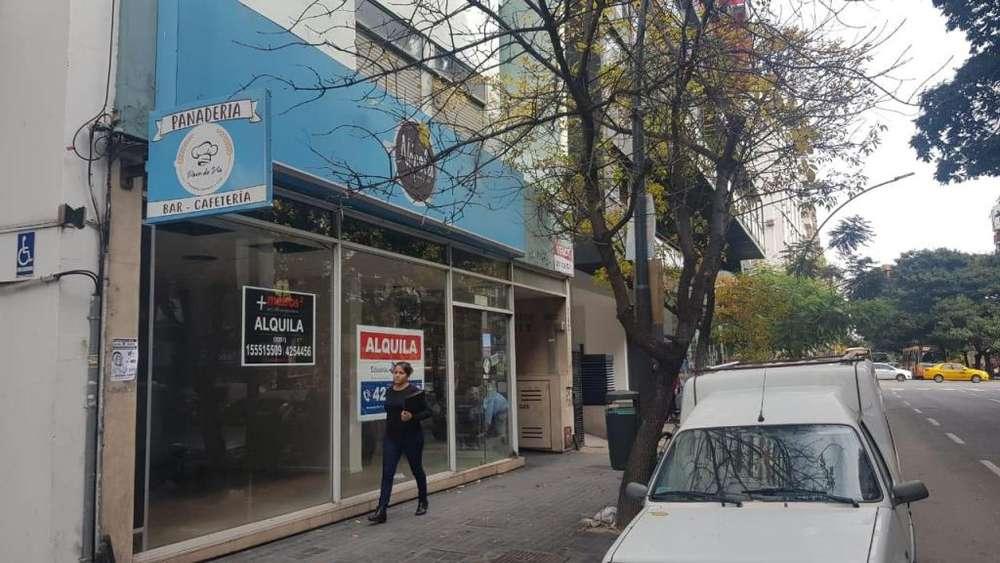 Alquiler local comercial sobre calle Bv Illia al 340