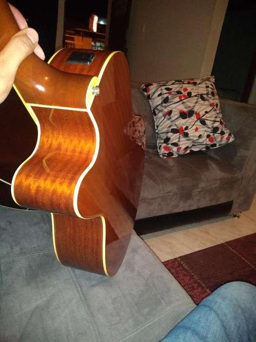 Vendo Guitarra Yamaha Cpx700