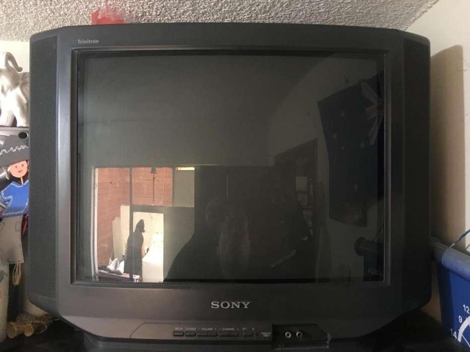 <strong>televisor</strong> Sony 21 pulgadas
